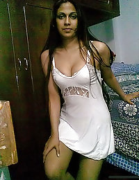 indian girl giving sexy poses