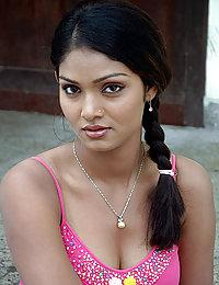 hot indian girls posing naked on camera