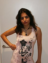kavya showing off in members gifted pink top
