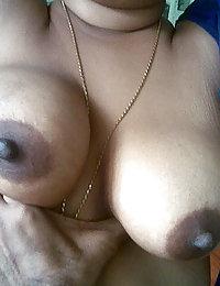 desi girls blouse cleavage