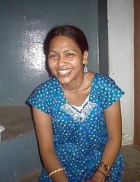 hot indian gf with her boyfriend gettign her boob sucked